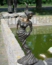Bronzeskulptur, Frau im modernen Stil, Dekoration für Haus und Garten