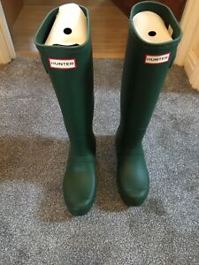 Brand New With Box Hunter Wellies Wellington Boots Size 6 Tall Green