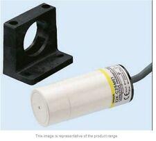 Omron 25 mm Capacitive Proximity Sensor, NPN, 200 mA, IP66- New - E2K-C25ME1 2M