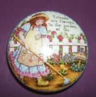 FRIENDS ARE LIKE FLOWERS IN THE GARDEN OF LIFE-Porcelain Hinged-Box-LOVELY!