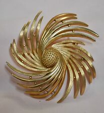 Crown Trifari Gold Tone Spiral Brooch/Pin