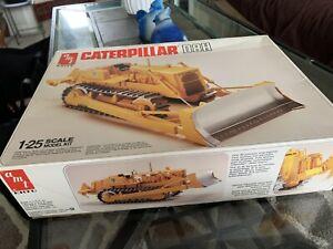 Caterpillar CAT D8H Crawler Dozer Plastic AMT Kit Model 1:25 Construction