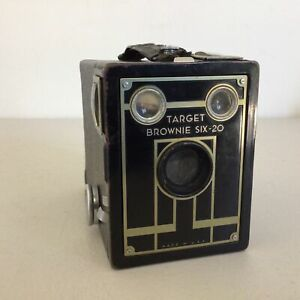 Vintage. Target Brownie Six - 20 Camera. Made in U.S.A *For Display Only #662
