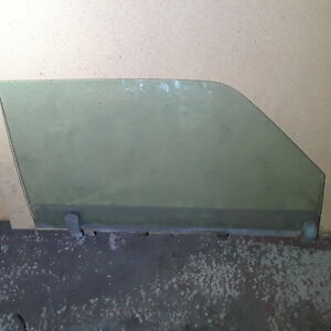 Coupe Only Right Passenger Front Door Window Glass 300CD 280CE Mercedes w123