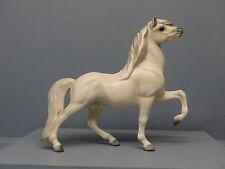 Old DW Hagen Renaker White Head Up Circus Pony