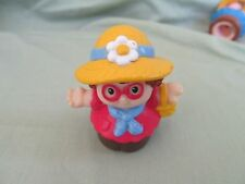 Mattel Fisher Price Little People girl straw hat pink glasses