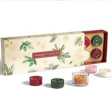 Yankee Candle - Set regalo con 10 candele profumate di Natale e 1 supporto