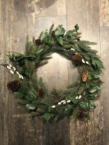 The White Company Ivy & Pussy Willow Wreath Natural