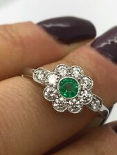 18CT WHITE GOLD RING 0.60CT DIAMONDS AND EMERALD FLOWER LADY RING GOY970