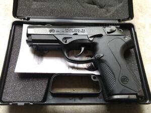 BRUNI P4 BERETTA MOD 85 Semi Automatic Blank Firing Gun Blued Finish 8mm
