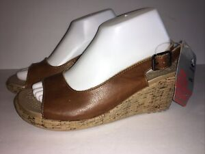 Crocs A-Leigh Wedge Leather Cocoa – Women US Size 10 New With Tags