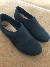 Clarks Collection Soft Cushion Navy Shoes 5.5