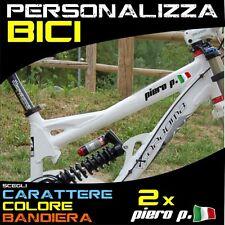 2 Adesivi NOME + BANDIERA per Bicicletta Bici