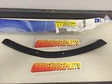 2007-2013 SILVERADO 1500 RIGHT FRONT OUTER BUMPER FILLER NEW GM  # 15131293