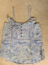BLUE PATTERNED TOP WITH RUFFLE AROUND NECKLINE IN A-LINE SHAPE & BUTTONS DOWN -M