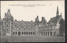 France Postcard - Chateau De Blois - Aile Louis XII - Facade Interieure B1016
