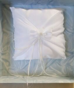 Classic treasure Masters Pillow Ring Bearer White Moonlight Promises