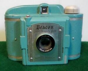 Vintage 1950s Rare Turquoise BEACON TWO TWENTY FIVE Camera Whitehouse 620 Film