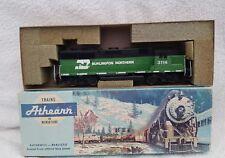 Athearn HO GAUGE Burlington Northern 3114 diesel loco.Tested runner with lights