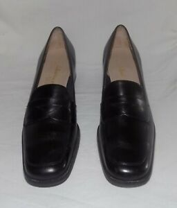 Salvatore Ferragamo Black Leather Low Block Heel Penny-Loafer Shoes Size 8AA NEW
