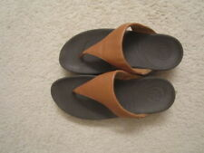 WOMEN'S  FITFLOP BROWN LEATHER STRAP WEDGE THONG SANDALS SZ 9