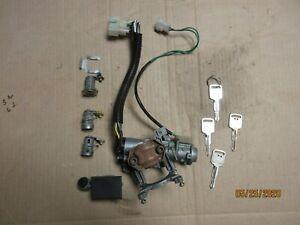 1992 Geo Tracker M/T ignition switch & lock cylinders. PLEASE READ ENTIRETY