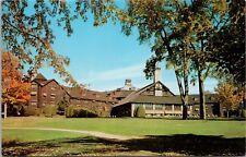 Le Chateau Montebello Quebec QC Que. CP Hotels Unused Vintage Postcard E18
