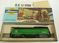HO scale Athearn Burlington Northern U28 B diesel locomotive 5450  Vintage