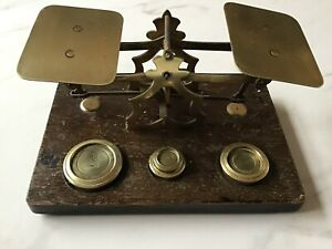 ANTIQUE VINTAGE BRASS AND OAK POSTAL SCALES AND WEIGHTS