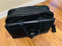 Tumi Black Leather Briefcase Messenger Computer Travel Bag W/Strap Please read