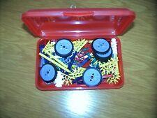 K'NEX Box mit ca. 120 Teilen (davon 8 Räder)