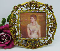 """Gold toned Crystal Jeweled Picture Frame Roses with Stones 6"""" Round New"""