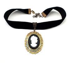 Halsband Kropfband Trachtenschmuck mit Gemme/Glascameo auf Samtband - Unikat