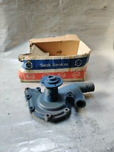 CLASSIC LAND ROVER S2  WATER PUMP - SERCK ? - NEW OLD STOCK UNUSED VINTAGE