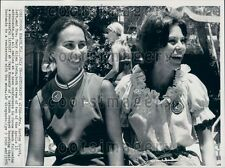 1971 Apollo 15 Astronaut Wives Lurton Scott & Mary Ellen Irwin Press Photo