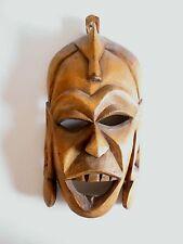 Ältere Holzmaske aus Afrika Troppenholz hand-geschnitzt 30 cm hoch