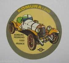 VECCHIO ADESIVO AUTO / Old Sticker SORIANO PEDROSO FRANCE KOMURA LENS (cm 8)