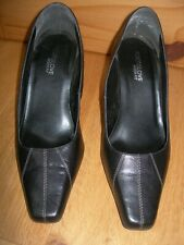 """FOOTGLOVE SHOES BLACK SIZE 4 WIDER FIT HEEL 3"""" LEATHER?"""