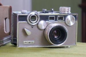 Vintage 1960s Argus C3 Tan Matchmatic 35mm Rangefinder Camera VG w/ partial case