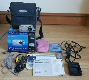 SONY DSC- P43 Sliver Cybershot 4.1MP digital camera - BOXED,WORKS, rechargeable