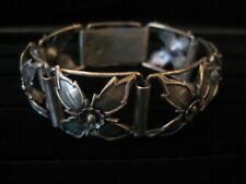 out Flowers-Hallmarked C9-Nbv-S-3 Crowns Collectible -Vintage -Bracelet Cut