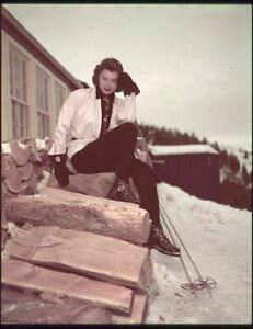 Esther Williams Vintage Pose Ski Vêtements Par Chalet Original 5x4 Transparence