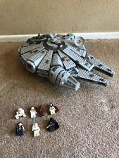 LEGO Star Wars Millennium Falcon 4504 Retired Set Rare Collectible