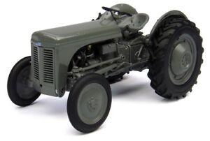 UH4189 - Tractor FERGUSON Tea 20