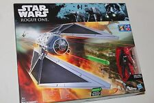 "Star Wars Rogue una corbata Striker (Inc 2x Nerf Dardos) + 3.75"" figura de piloto de combate"