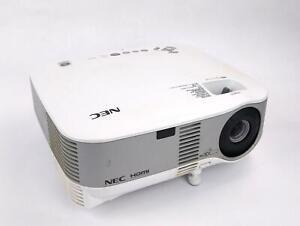NEC NP905 3LCD XGA HDMI 3000 Lumens Wireless Pro Projector 770 Lamp Hrs WORKING