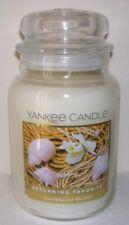 Yankee Candle Sandalwood Vanilla 22oz Jar Candle Great Popular Scent