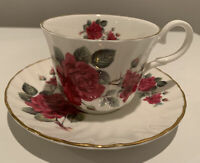 Beautiful Vtg Argyle Bone China Cup And Saucer, Made In England