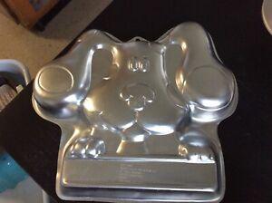 Wilton Cake Pan Blue's Clues Dog 2105-3060 Birthday Aluminum Mold EUC