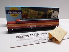 HO Scale - Athearn Southern Pacific Daylight PA-1 Dummy Diesel Locomotive Train